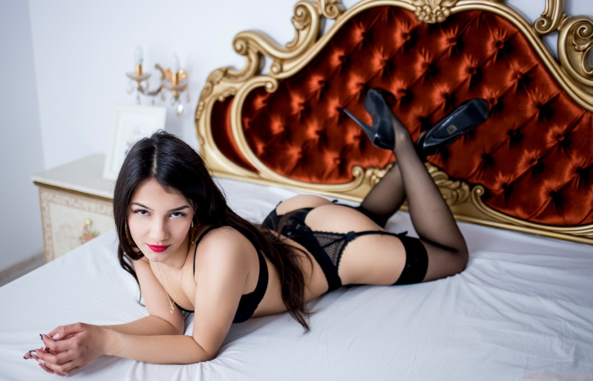 Escort Jacqueline Is Ready For You